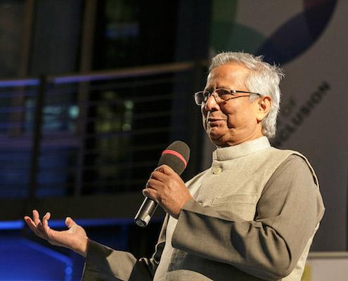 Bei allen Vision Summits spielten soziale Innovatoren die Hauptrolle, und zwar nicht nur weltbekannte Pioniere wie Muhammad Yunus, sondern die bereits so überaus zahlreichen sozialen Innovatoren, die u.a. durch Ashoka jedes Jahr neu entdeckt werden.