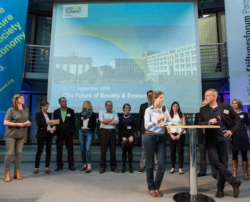 Laura Haverkamp und Norbert Kunz moderieren die Pitches von zehn sozialinnovativen Social Entrepreneurs.